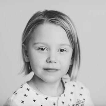 porträttfotograf och barnfotograf med familjefotografering som inriktning